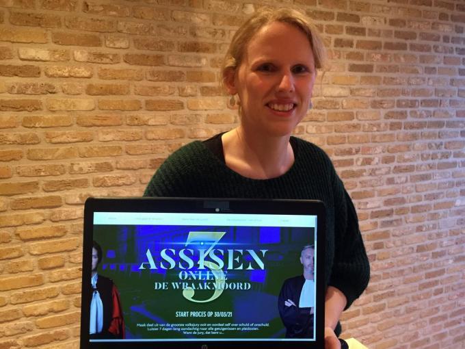 Marlies is een fan van Assisen Online, maar toch gaat haar voorkeur naar een theatervoorstelling.© PADI/DR