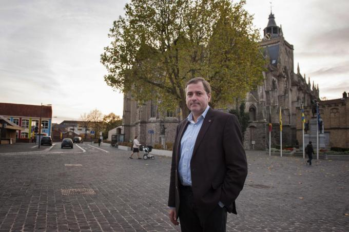 De Poperingse burgemeester Christof Dejaegher is de West-Vlaamse mandatenkampioen.©Michael Depestele