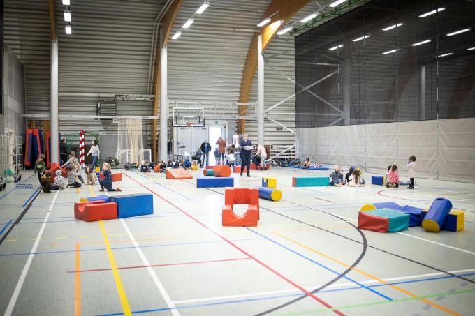 Vanaf maandag mogen de jongeren weer binnen sporten.© Belga