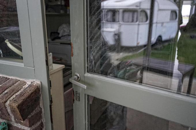 Ook de achterdeur werd geforceerd. (foto CLL)