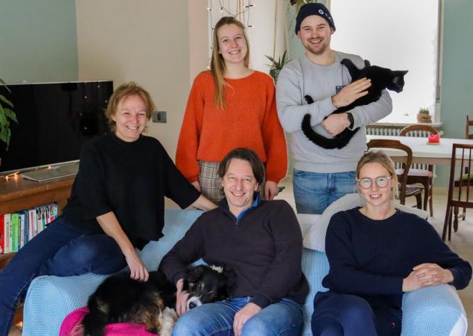 Hilde, Dominik, Anne, Miel en Drieke. Niet op de foto: Liesl, Jana en Arno.