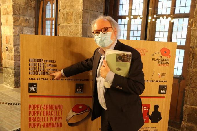 """""""Nieuw zijn de audiogidsen, die je door het museum loodsen"""", vertelt Piet Chielens.© foto EF"""