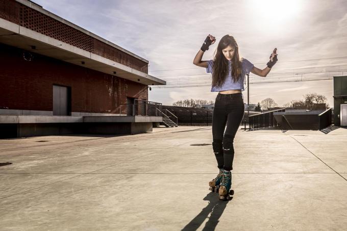 Drie jaar na haar eerste paar rolschaatsen heeft Louisa Vannevel de smaak van rollerdansen goed te pakken. (Foto Pieter Clicteur)©Pieter Clicteur;Pieter Clicteur