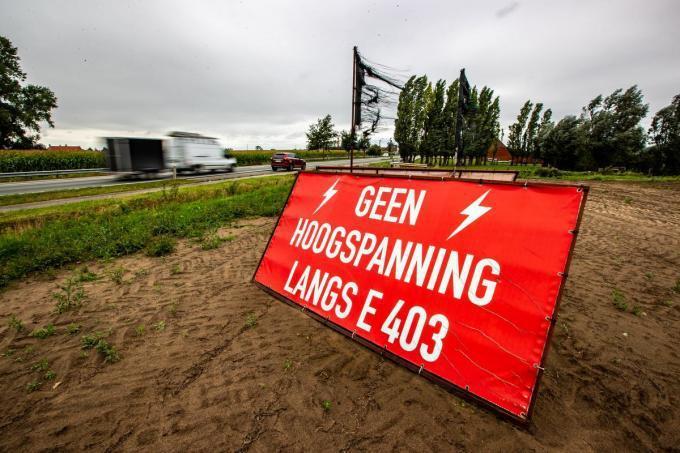 De mogelijke komst van een hoogspanningslijn zorgde voor heel wat protest, onder meer in Lichtervelde.© Archief KW/foto Kurt