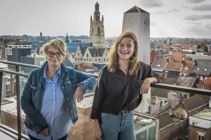 Carmen Demoor en Deniza Miftari, twee sterke vrouwen met een positieve boodschap.©STEFAAN BEEL Stefaan Beel