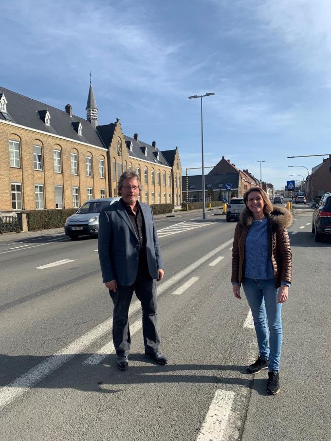 Schepen Ives Goudeseune en burgemeester Emmily Talpe.© GF