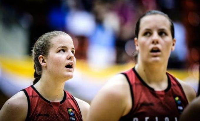 Becky en Billie Massey.© PR