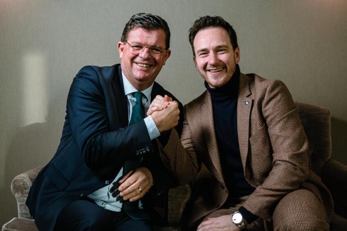 Bart Tommelein (links) en Francesco Vanderjeugd op een archiefbeeld: de een trok de Vlaamse Open VLD-lijst in 2019, de ander wil dat in 2024.© Davy Coghe