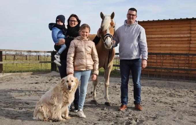 De familie Fieu met haflingerhengst Alcanar van Frankenastate.©Myriam Van den Putte MVO