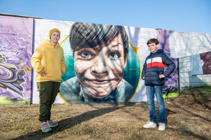 Graffiti-artiest Djoels en Kyan aan het skatepark in Izegem.© (Foto FM)