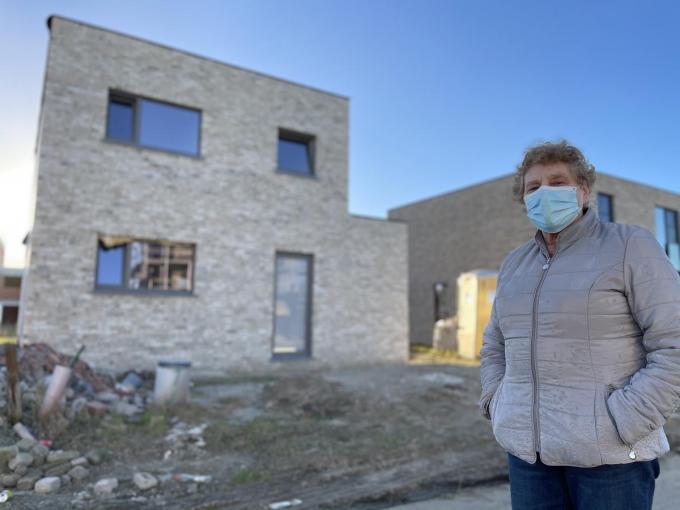 Gisèle kan normaal binnen enkele maanden verhuizen naar haar nieuwbouw.© TP