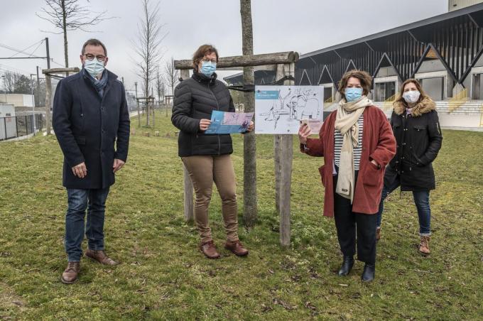 Wandellust in Roeselare met van links naar rechts Henk Kindt, Ilse Sinnaeve, Michèle Hostekint en Eveline Vanacker.©STEFAAN BEEL Stefaan Beel