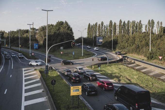 Het openbaar onderzoek leverde niet één bezwaarschrift tegen de heraanleg van de verkeerswisselaar R8-A19 op.© Olaf Verhaeghe