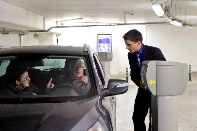 Ook ondergronds kun je in Roeselare over de middag een gratis uurtje parkeren, Bart De Meulenaer had dat graag uitgebreid gezien tot twee uur.©STEFAAN BEEL STEFAAN BEEL