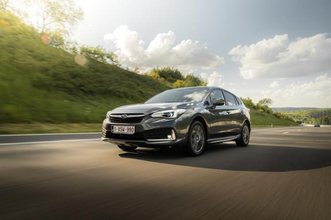 De Subaru Impreza e-Boxer is een fraaie, vierwielaangedreven vijfdeurshatchback.© GF