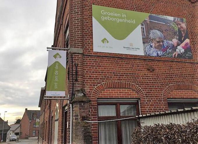 Net met de vaccinatie in zicht zijn twee bewoners van Sint-Jan de Deo vorig weekend aan covid overleden.© (Foto NOM)