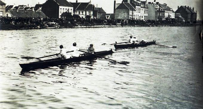 In de 19de eeuw waren de regatta's al succesvol. (foto KRNSO)©Picasa