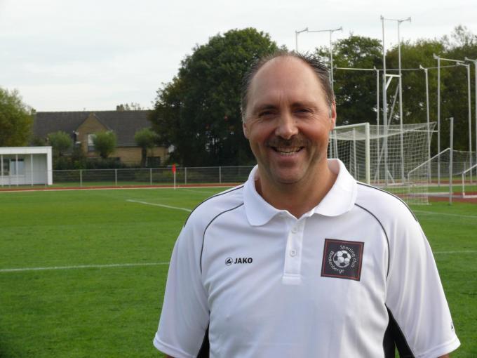Guy Neirinck traint alle keepers van KSC Blankenberge, zowel jeugd als eerste ploeg.© (Foto JVH)