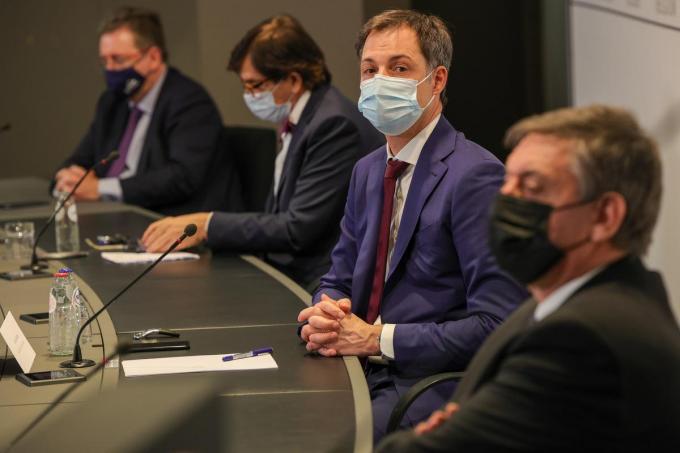 Voorzichtigheid blijft geboden, aldus het Overlegcomité.©POOL OLIVIER MATTHYS BELGA