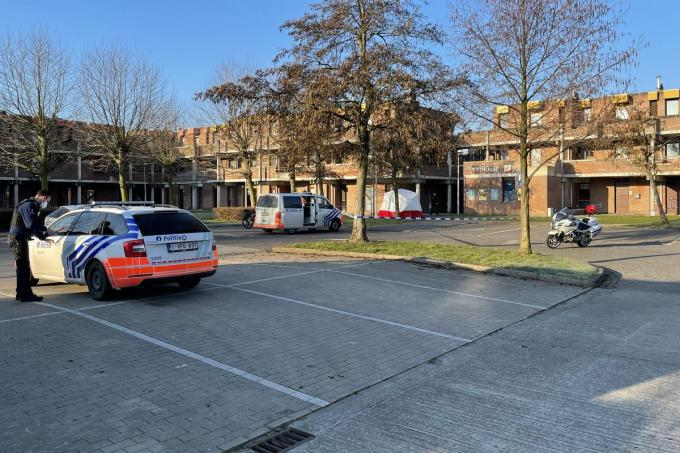 In de sociale woonwijk Nieuwe Stad werd zondagmorgen een levenloos lichaam aangetroffen.© foto JRO