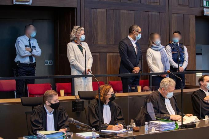 Hilde Van Acker en Jean-Claude Lacote op de eerste dag van het proces. (Belga)©KURT DESPLENTER BELGA