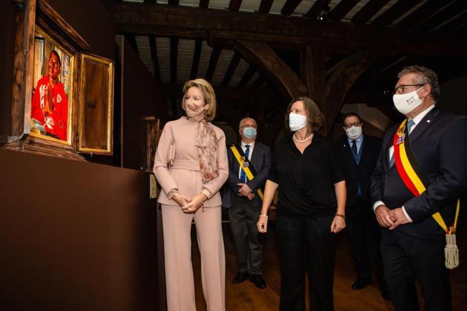 Koningin Mathilde op bezoek in de Brugse Musea: voortaan zal enkel nog een pool van 60 experten bezoekers mogen rondleiden. De gediplomeerde gidsen voelen zich bekocht.©Davy Coghe Davy Coghe