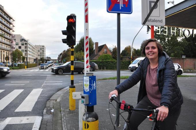 In oktober pleitte Margot Desmet voor de invoering van het principe. Straks mag je hier als fietser vanuit de Holstraat rechtsaf de Zuiderlaan oprijden, ook bij rood licht.© Pieterjan Neirynck
