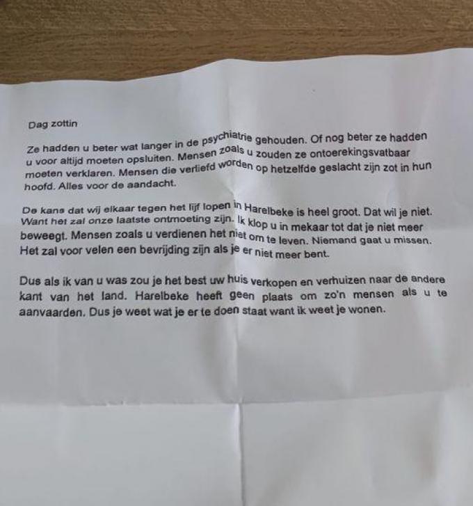 De brief die het jonge koppel uit Harelbeke in de bus kreeg. Niet ondertekend, afzender onbekend.© gf