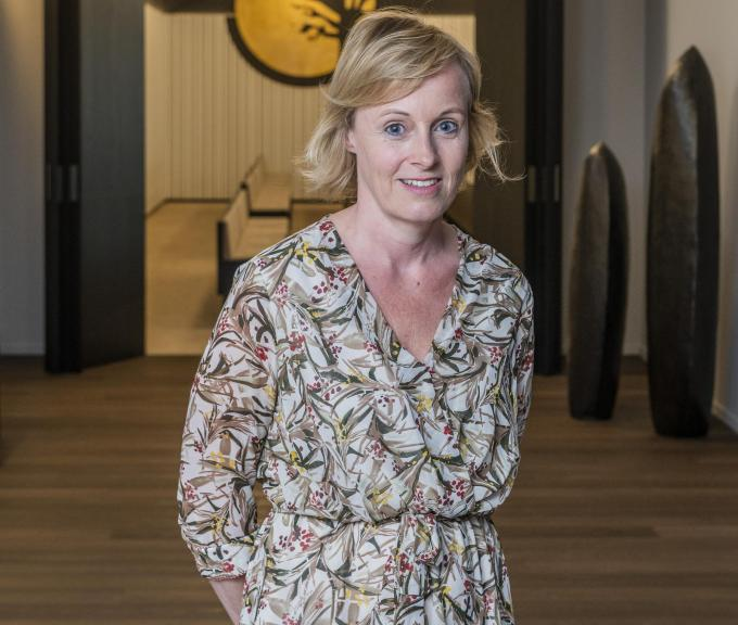 Tine Vanhee is heel tevreden met de verhuis van de familiezaak Uitvaartzorg Commeyne naar de Zilverberg.©STEFAAN BEEL Stefaan Beel