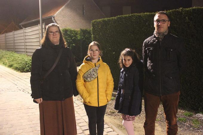 V.l.n.r. Nancy Vannieuwenhuyse, Elise, Pauline en Wim Desmidt. (foto ACK)©type=