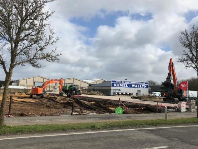 De winkel zal gebouwd worden op een terrein naast speciaalzaak Kemel-Wallyn.© TMG