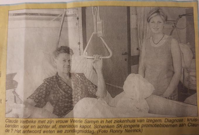 Claude Verbeke lag in zijn 'eigen' Sint-Jozefskliniek nadat hij in de heenmatch van de eindronde in mei 1998 een blessure opliep waarvan hij nooit echt herstelde.