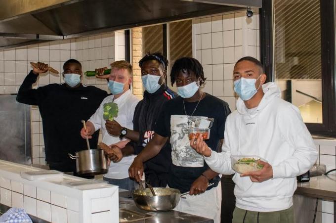 Ook voetballers moeten hun eigen potje leren koken.© Cercle Brugge
