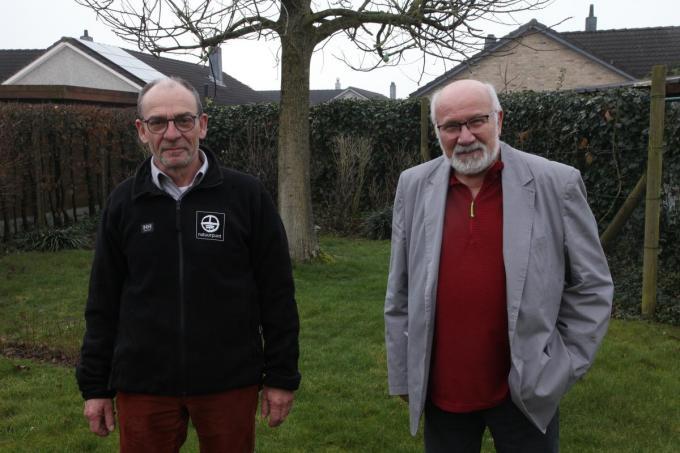 Rik Libbrecht en Jozef Bousse zetten zich de komende jaren blijvend in voor extra groen in Menen. (foto xcom)