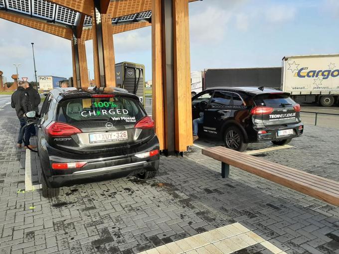 De wagens vertrokken zaterdag om 10 uur in Oostende.©Facebook gf