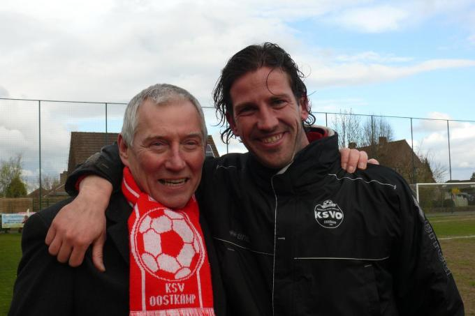 Paul Devliegere met Rik De Mil, die bij KSV Oostkamp aan zijn trainerscarrière begon.© (foto JPV)