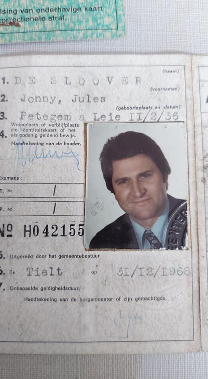 De identiteitskaart van Jonny De Sloover.