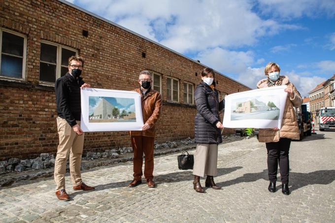 Franky Demon, Dirk De fauw, Doenja Van Bellegem en Sophie Van Hulle stelden de nieuwbouw voor.©Davy Coghe Davy Coghe