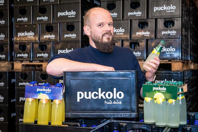 """Bram Algoet: """"Ik kreeg al veel berichten van mensen die het schitterend vinden dat de Puckolo-limonades herleven.""""©Kurt De Schuytener Kurt De Schuytener"""