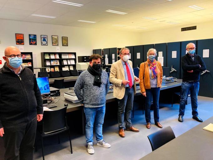 Directeur Alexander Declercq en schepen Valentijn Despeghel, baron Bruno de Kerchove d'Ousselghem en zijn echtgenote en archivaris Rik Opsommer.© (Foto EG)