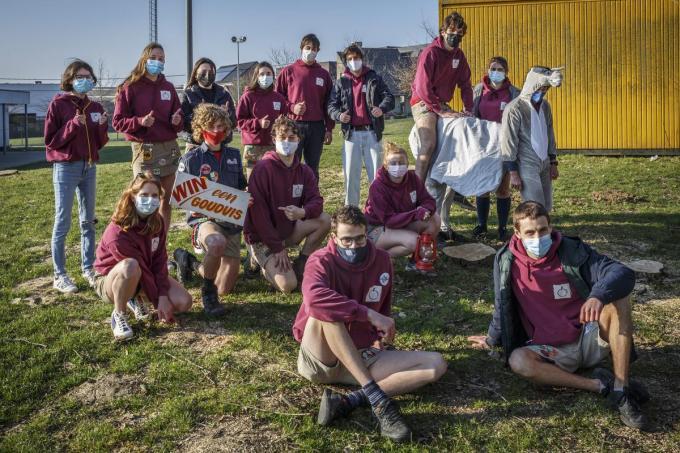 De leidersgroep van Chiro Mozaïek Moorslede organiseert 'Ezeltje Strekje, Tafeltje Dekje'. (foto JS)© Jan Stragier