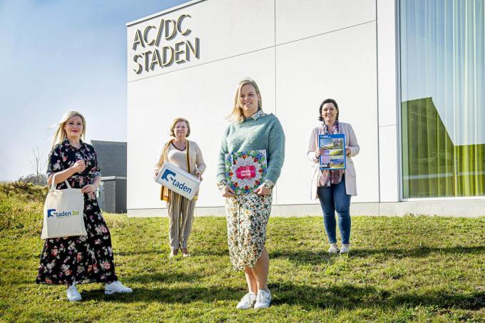 Kelly Depoorter, Dorine Ligneel, Aline Pauwels en zorgschepen Nathalie Depuydt©JOKE COUVREUR
