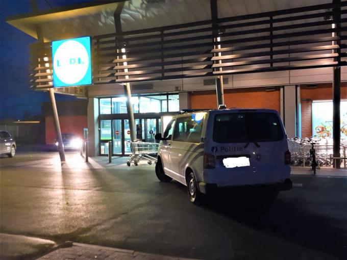 In de Lidl in Roeselare vond zaterdag een gewapende overval plaats.© foto BF