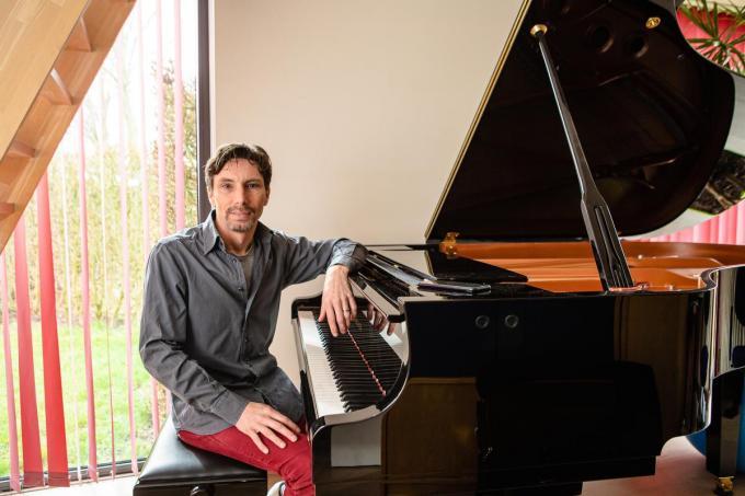 Tom Kristiaan is zelf pianist en accordeonist.© Davy Coghe