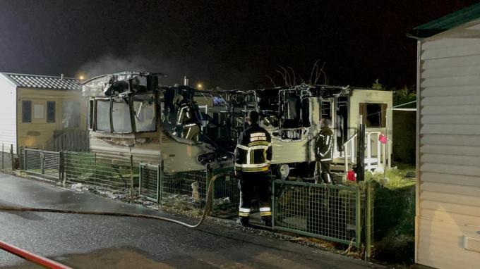 De caravan brandde volledig uit.©Jeffrey Roos