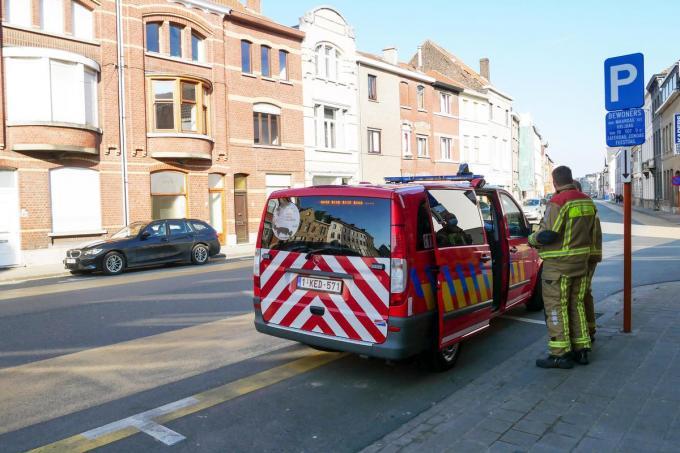 De brandweer werd opgeroepen voor een woningbrand, maar het bleek uiteindelijk om een kapotte boiler te gaan.© CL