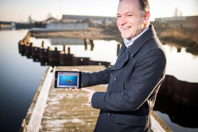 Steven Luys, ceo van de Belgische divisie van ECA Group, op de plaats in de Oostendse haven waar de dronefabriek komt.© GF/ID/ Lieven Van Assche