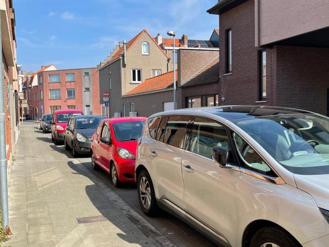 Al voor de tweede keer in enkele maanden tijd werden in Assebroek auto's bekrast.© JVM
