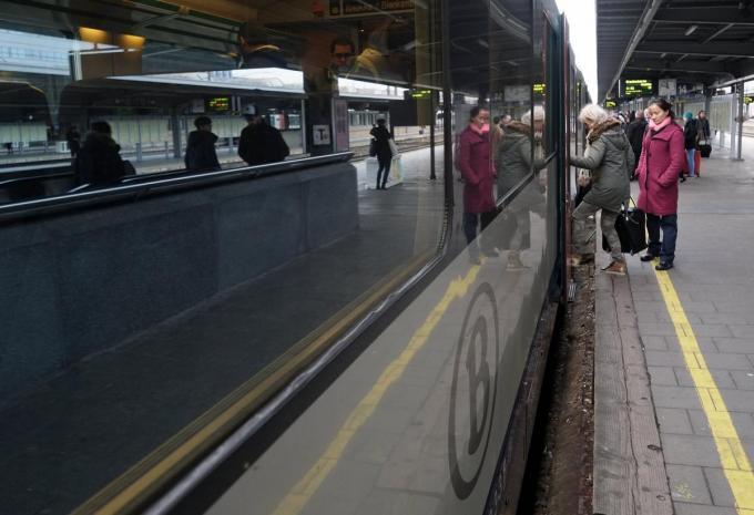 De werken in Kortrijk hebben een effect op heel wat andere treinlijnen.©ERIC LALMAND BELGA