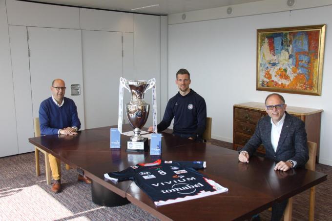 Matthijs Verhanneman tekende woendag zijn contract.© gf